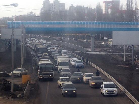 Воронежские власти не планируют возвращать развороты на Московском проспекте