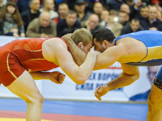 В Воронеже прошел чемпионат России по борьбе в абсолютной весовой категории