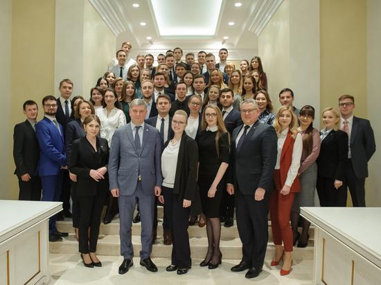 Глава Воронежской области встретился с представителями молодежного правительства