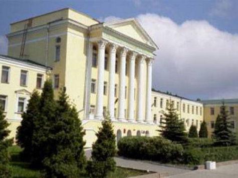 В главном концертном зале Воронежа награждали лучших преподавателей, делились воспоминаниями и обсуждали перспективы...